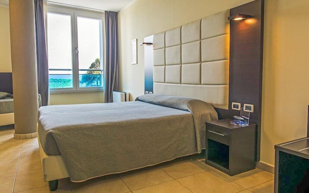 Ubytováni budete v moderních pokojích