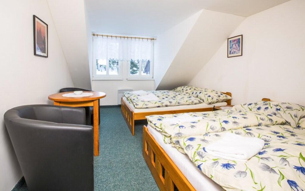 Izby sú svetlé a pohodlné