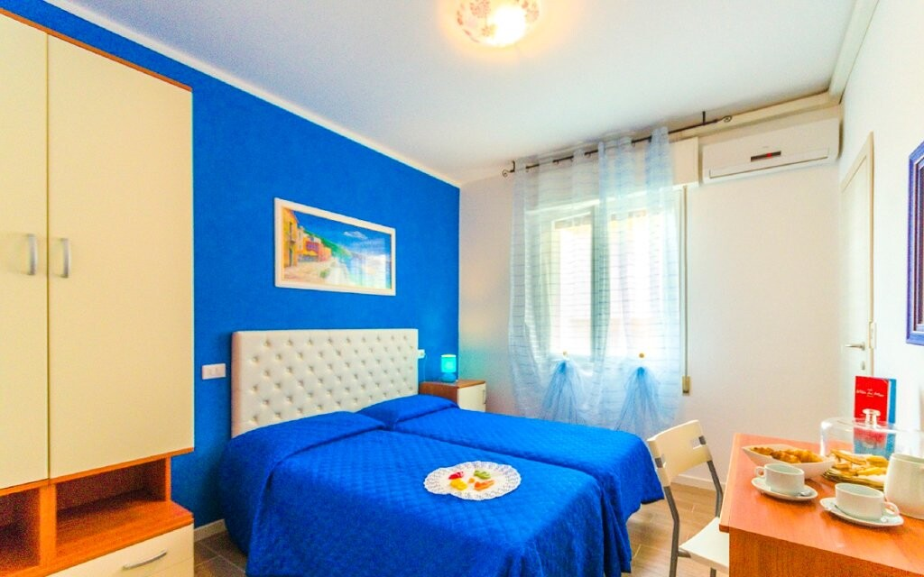 Pokoje jsou vyvedené v pozitivních barvách