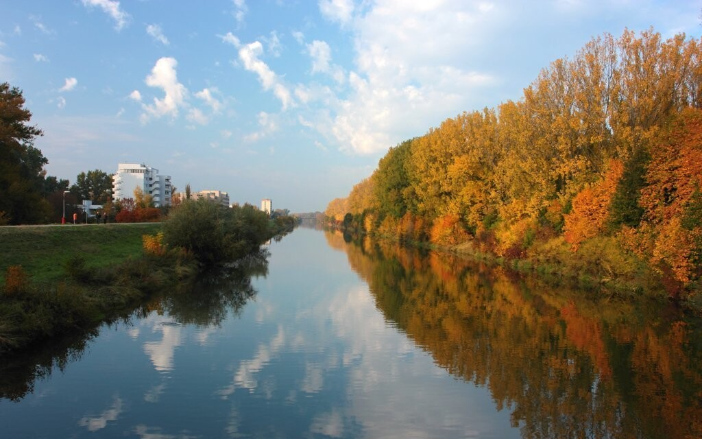 Projít se můžete kolem řeky Váh