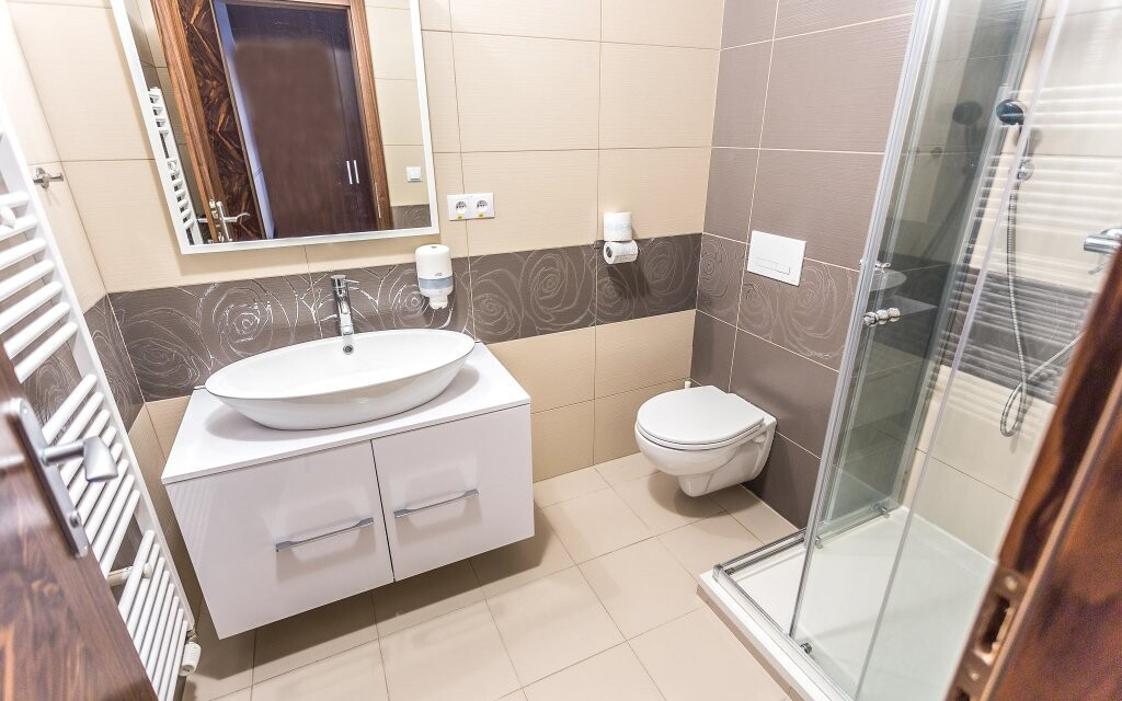 K pokoji patří také koupelna