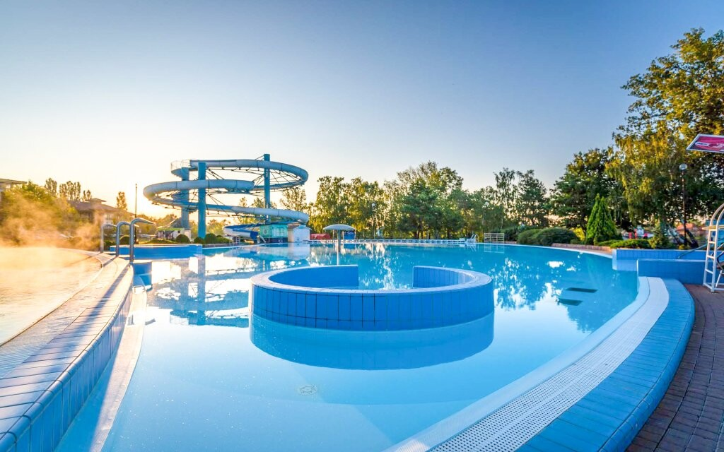 bazén s tobogánem Thermalpark Dunajská Streda