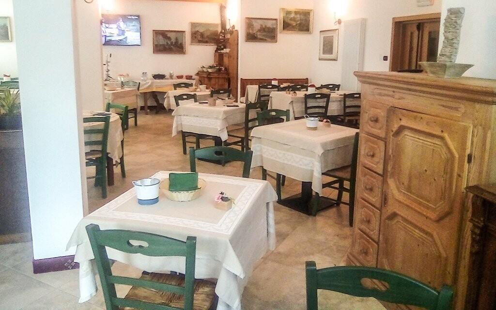 Raňajky formou bufetu v Hoteli Garní Al Nardis *** Taliansko