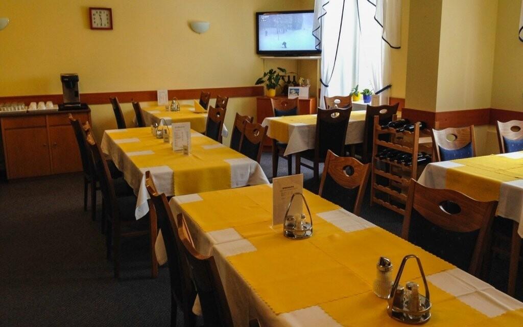 Polopenze v restauraci Hotelu Villa Skalník ***