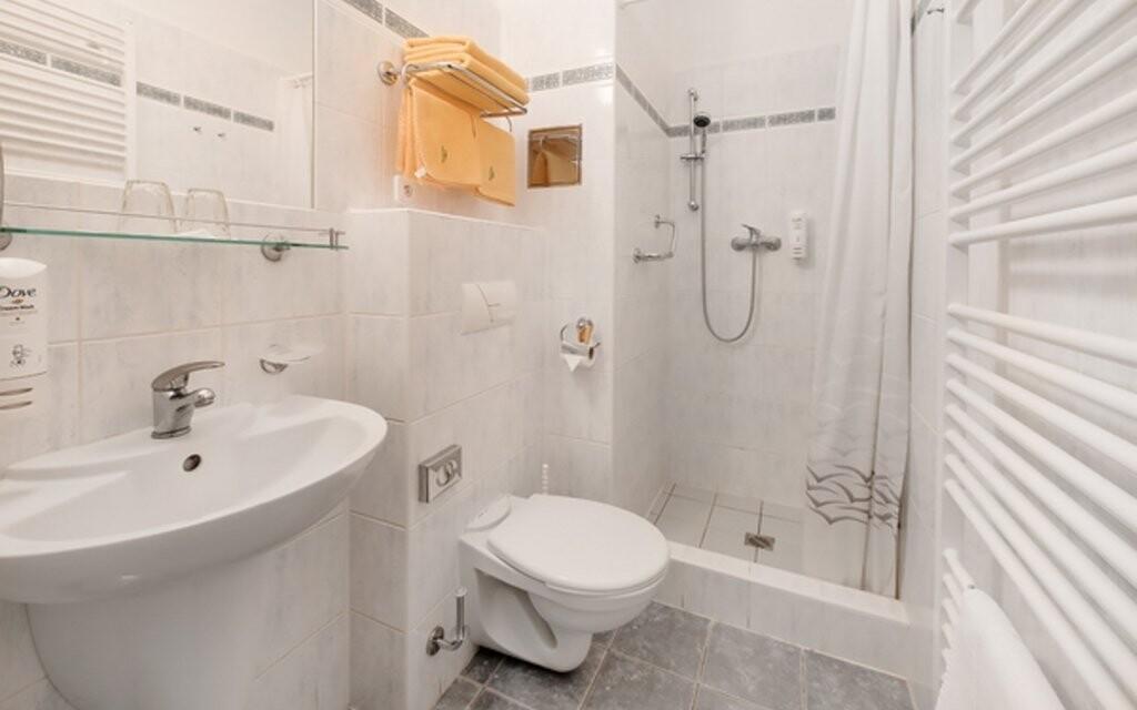 Koupelna v pokoji ve Ville Skalník *** Mariánské Lázně