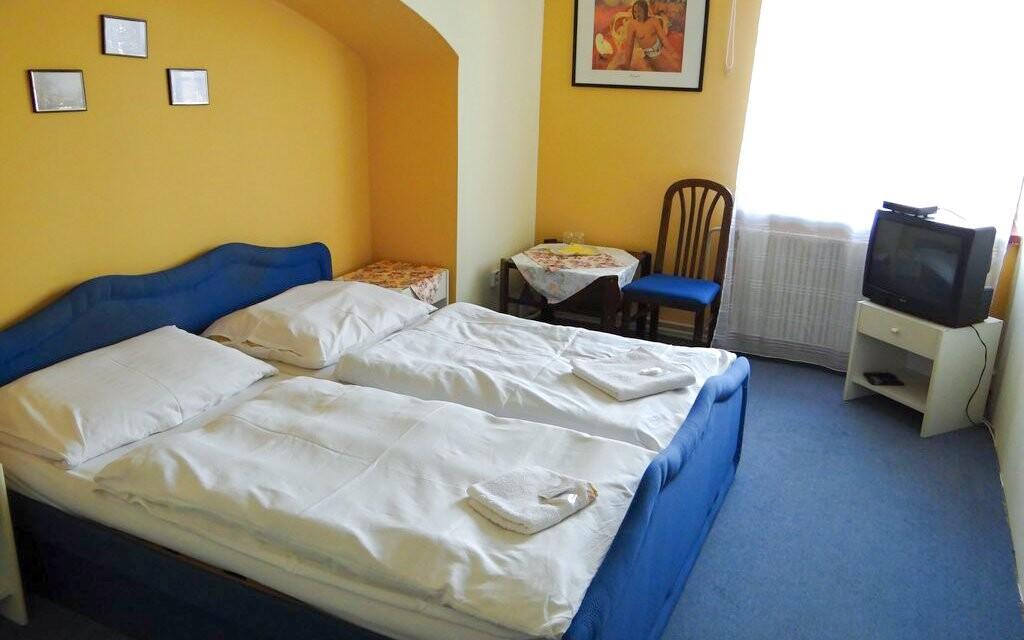 Dvoulůžkový pokoj Hotel Zlatý Kříž *** Kaplice jižní Čechy
