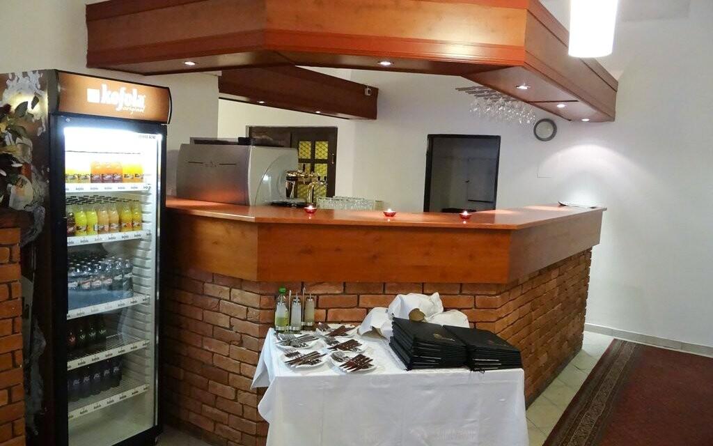 Bar v Hotelu Zlatý Kříž *** Kaplice v jižních Čechách