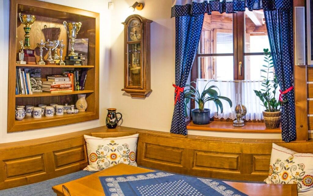 Rustikální interiéry v Hotelu Na Dolině *** Beskydy
