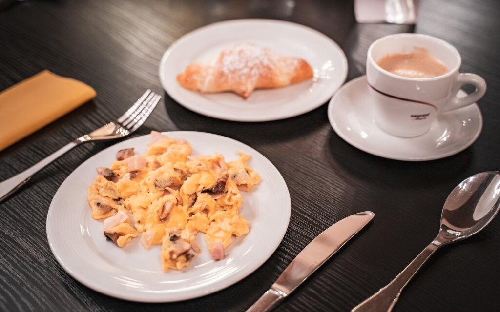 Snídaně formou bufetu, Hotel Capital ****, Nitra