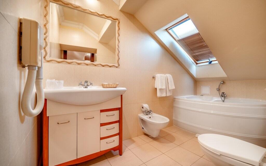 Koupelna, Hotel Capital ***, Nitra, Slovensko