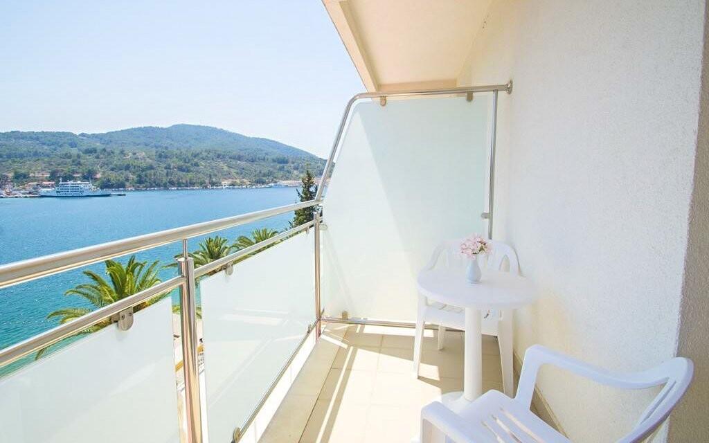 Balkón s výhledem na moře Hotel Posejdon *** Chorvatsko