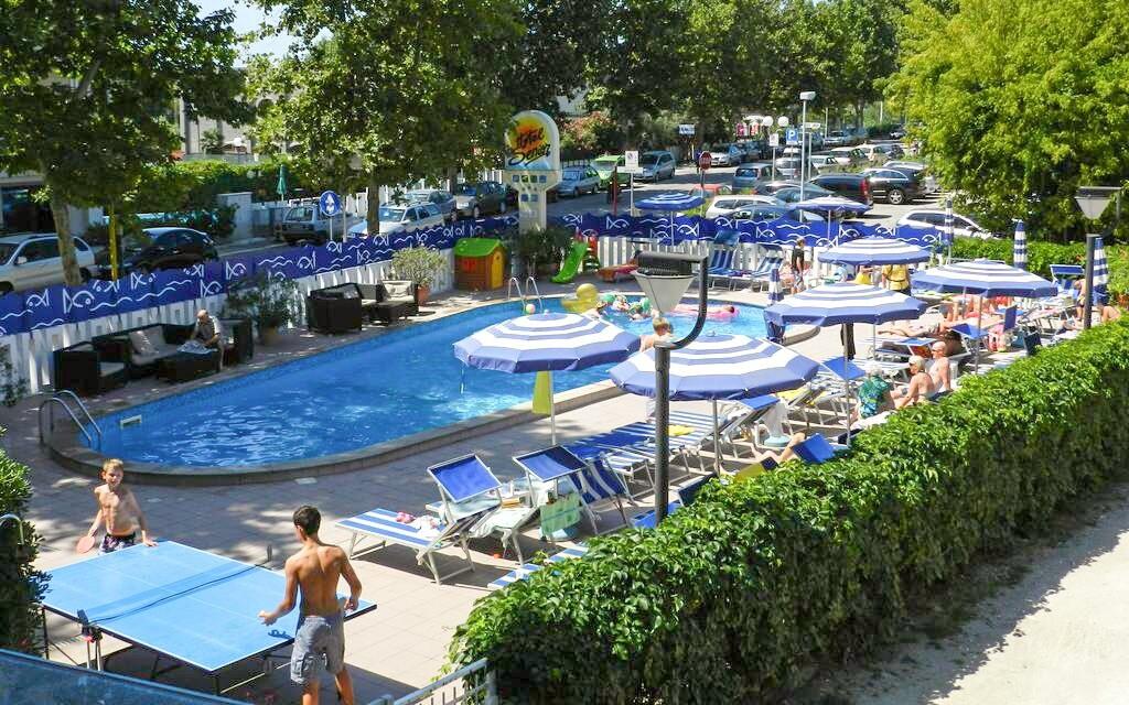 Zahrada s bazény Hotel Senior *** Cattolica Itálie