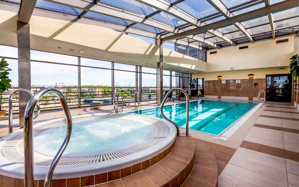 Bazén a vírivka, Hotel Qubus ****, Krakov, Polsko