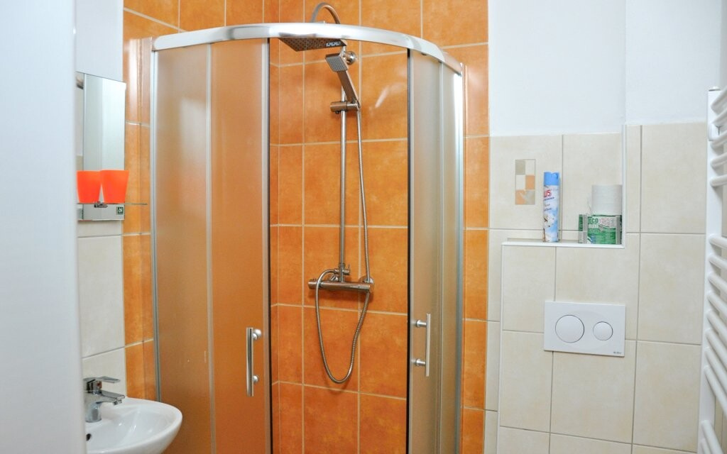 Koupelna na pokoji v Penzionu Rankl-Sepp Strachy Šumava