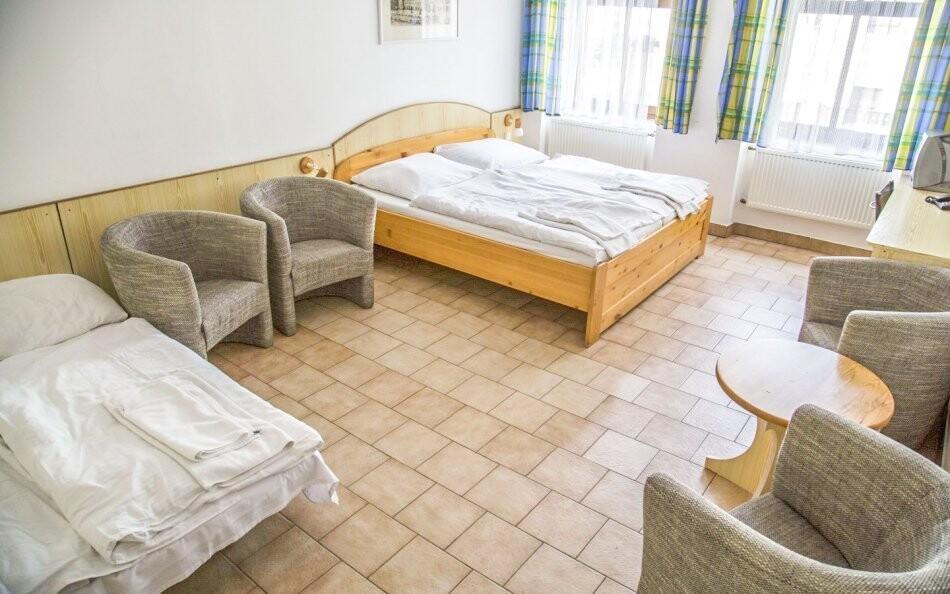 Až 4 prístelky na izbe v Hoteli Praha *** Broumov Adršpach