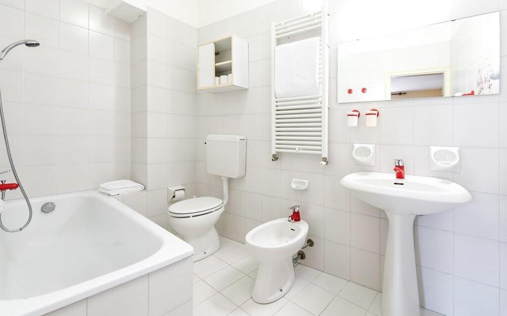 Kúpeľňa v izbe Hotela Palme & Suite *** Lago di Garda