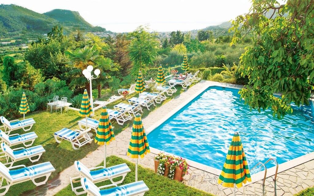 Vonkajší bazén, Hotel Panorama ***, Lago di Garda, Taliansko