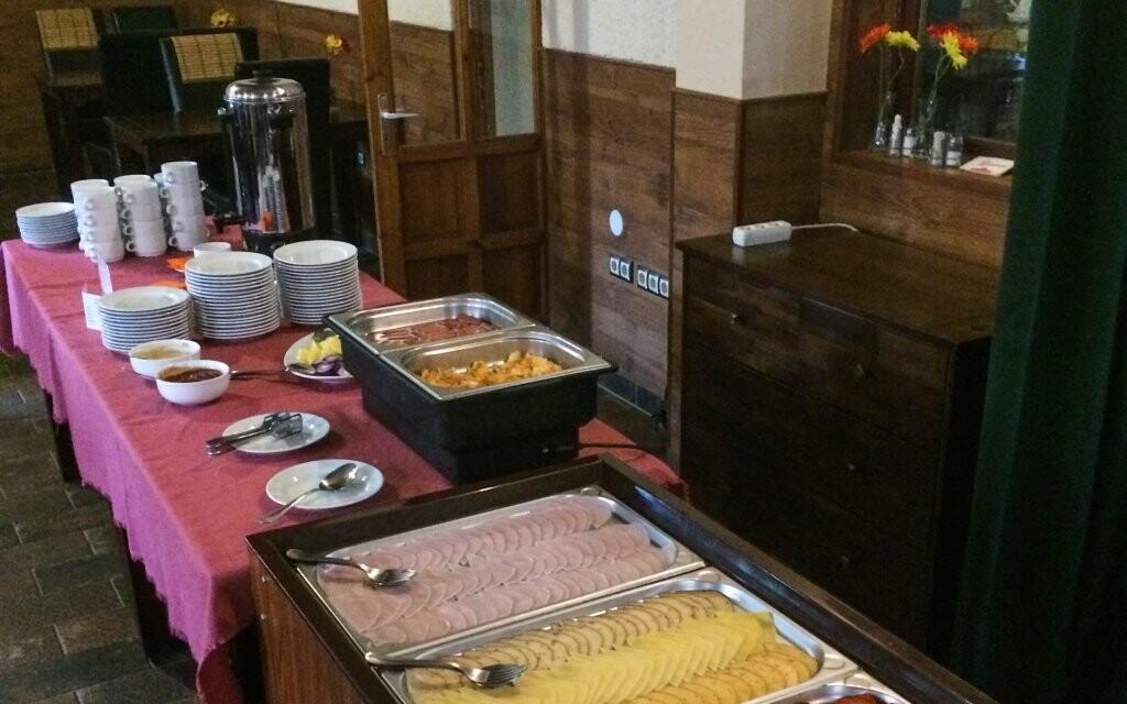 Chutné raňajky, Hungária Panzió, Miskolc Tapolca