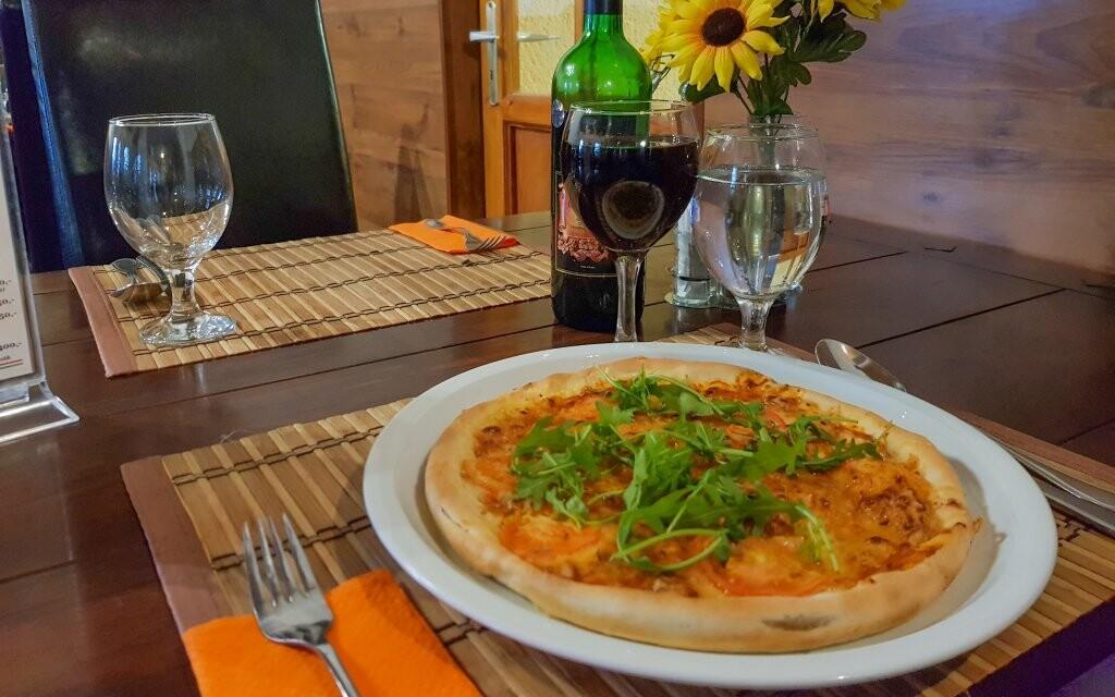 Dajte si pizzu alebo víno, Hungária Panzió, Miskolc Tapolca