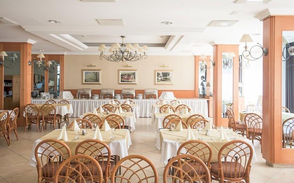 Reštaurácia s barom, Hotel Marina-Port ****, Balaton
