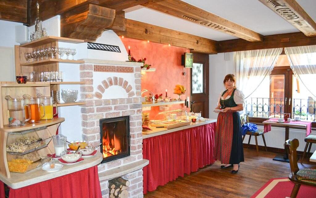 Raňajky v štýlovej reštaurácii Hotela Staudacher Hof ***