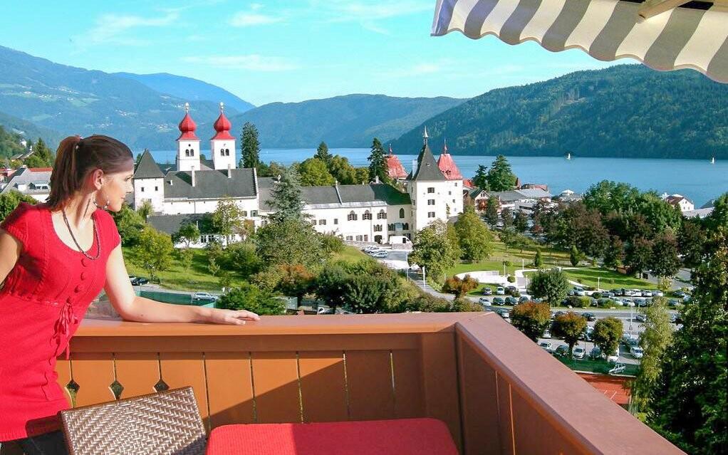 Výhľad na jazero z Hotela Staudacher Hof ***, Rakúsko
