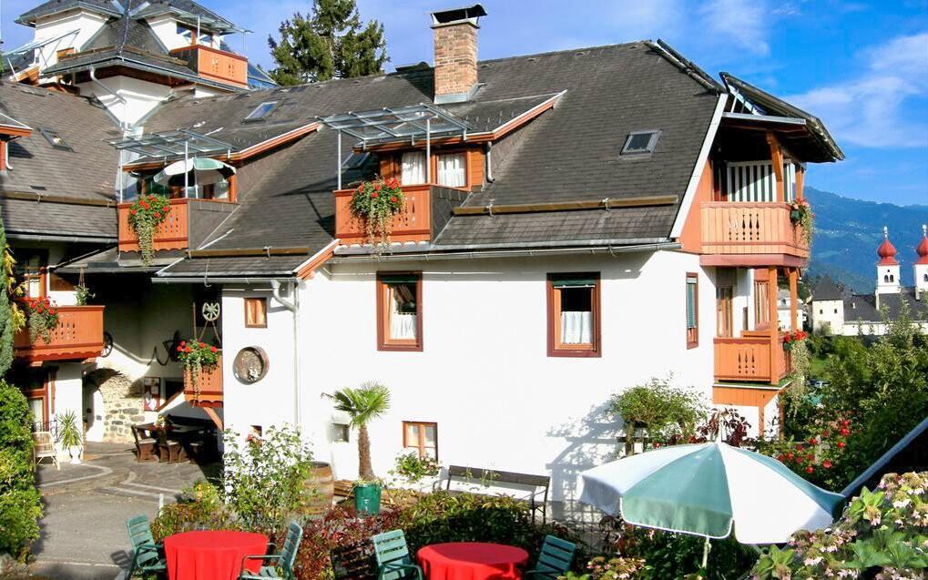 Hotel Staudacher Hof *** - pohľad zo záhrady, Rakúsko