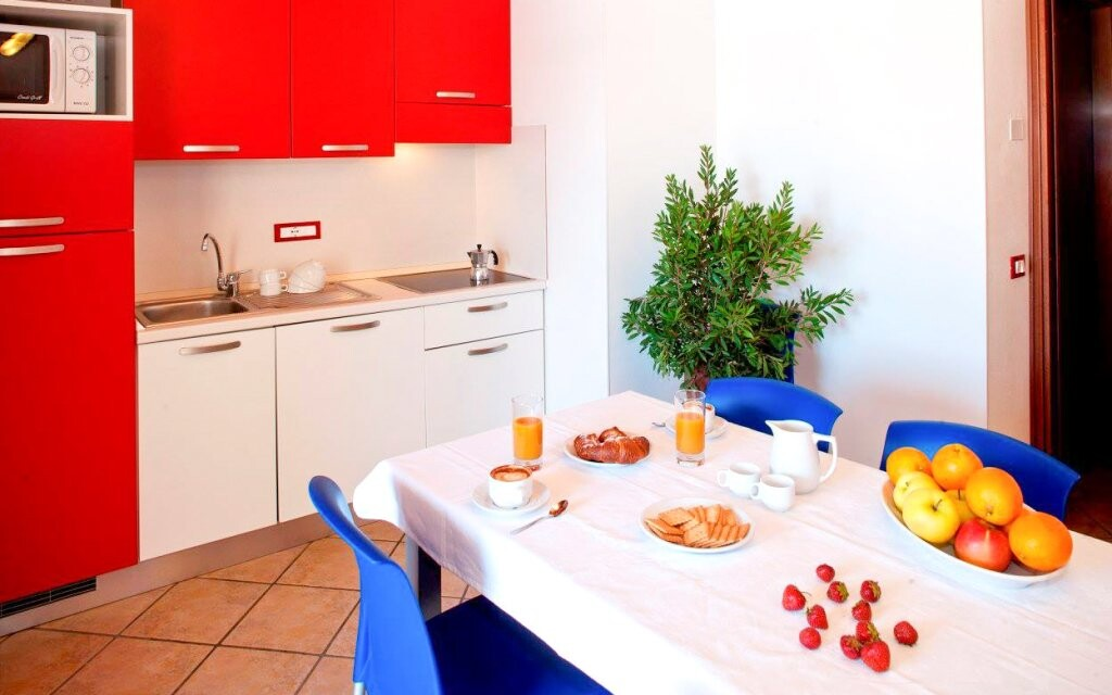 Apartmán má aj kuchynku, Michelangelo Hotel, Lido di Spina