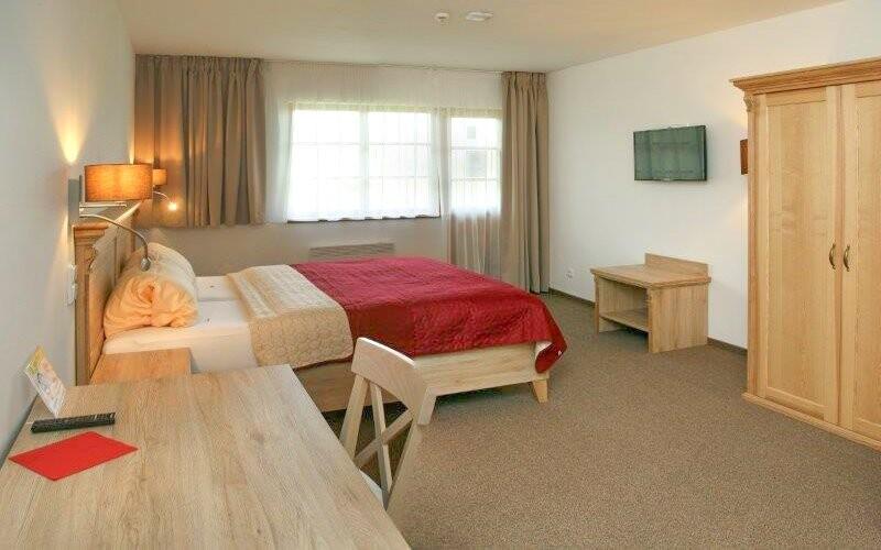 Pohodlné izby, Resort Stein *** pri Františkových Lázňach