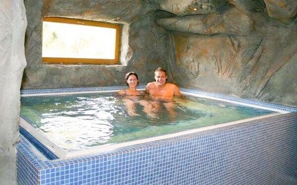 Wellness, vírivka, 3* Resort Stein pri Františkových Lázňach