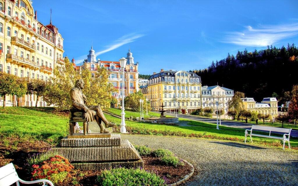 Kúpeľný park a socha Goetheho, Mariánské Lázně