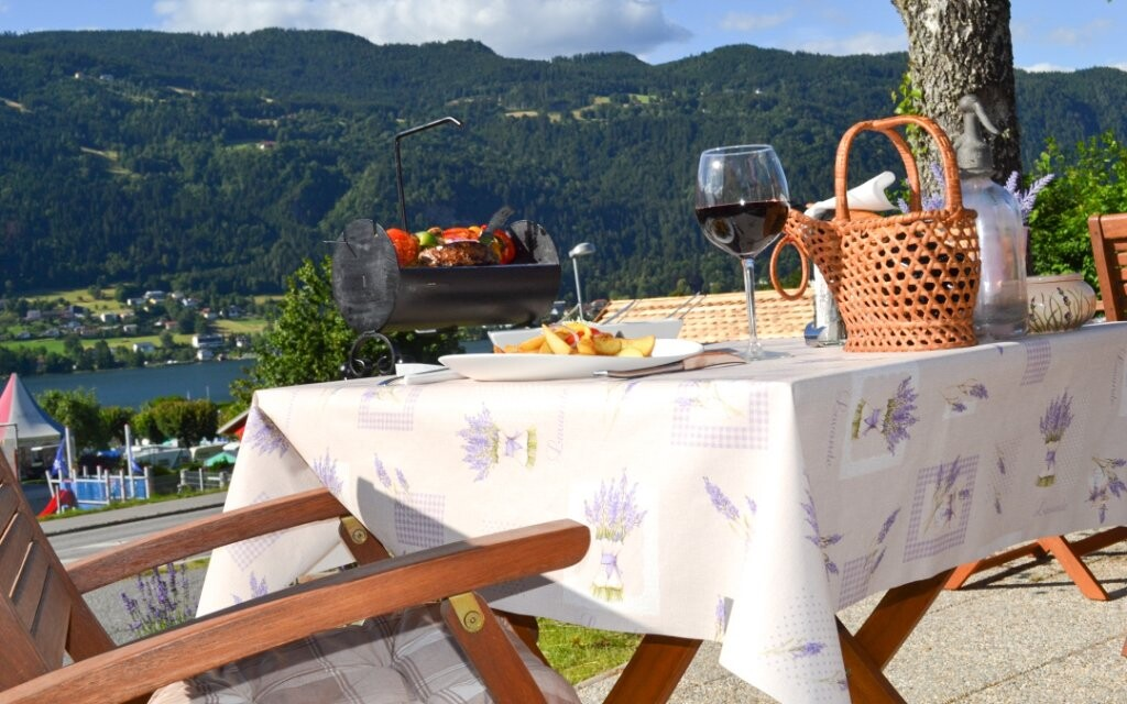 Vonkajšia terasa a krásny výhľad, Haus Lavendel, Ossiach
