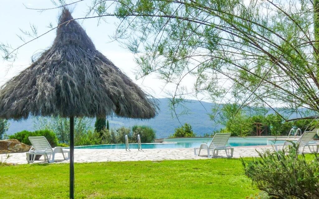 Vonkajší bazén, vila Fattoria Il Santo, Toskánsko, Taliansko