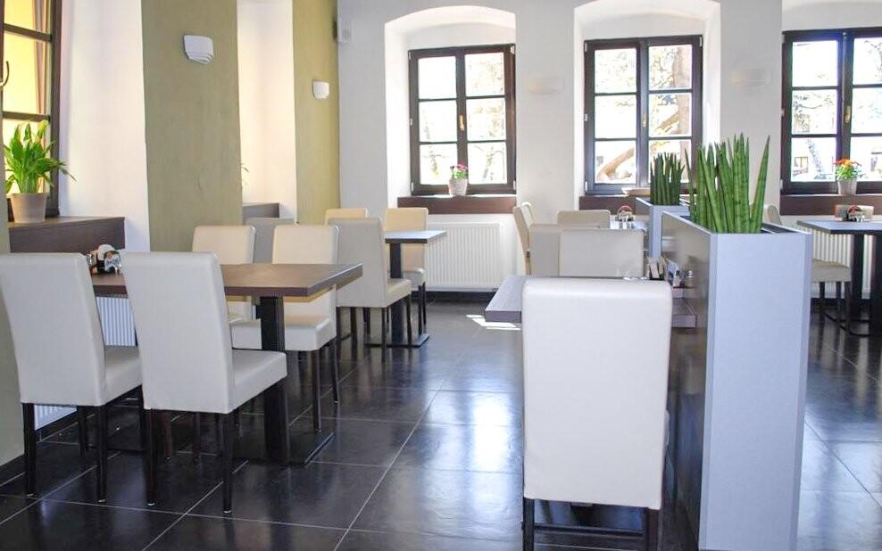 Restaurace, Penzion N.10 Frymburk ***, Lipno