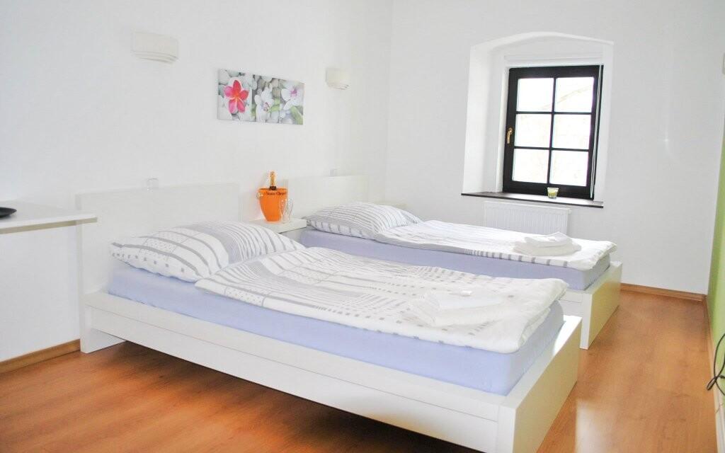Dvoulůžkový pokoj, Penzion N.10 Frymburk ***, Lipno
