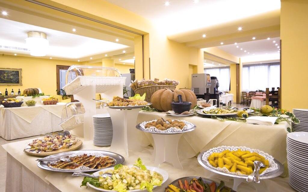 Snídaně, restaurace, Hotel Villa Ricci ***, Itálie