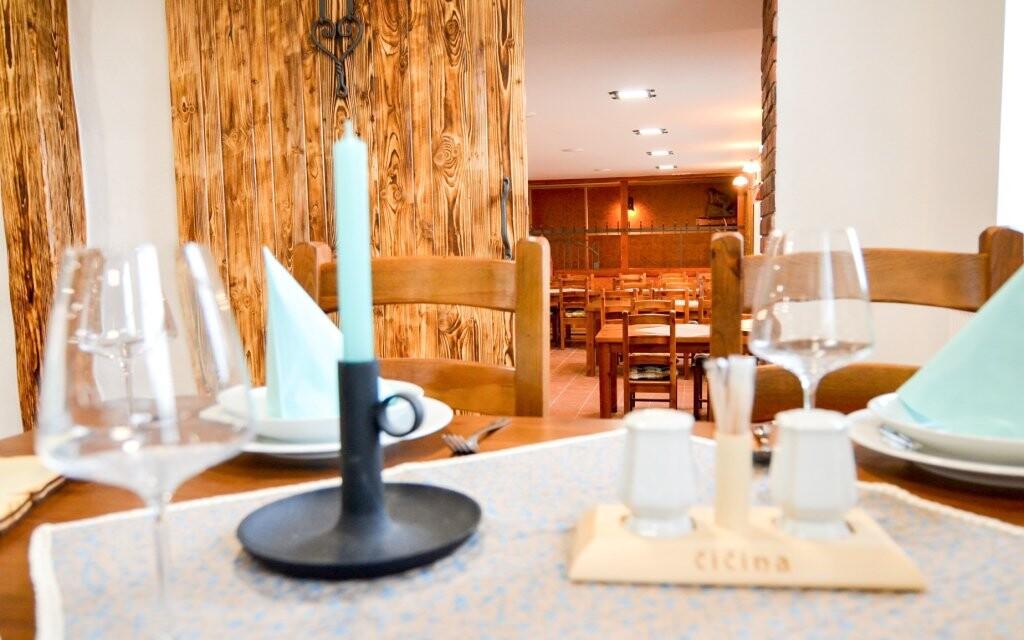 Štýlová reštaurácia, Penzión Čičina, južná Morava
