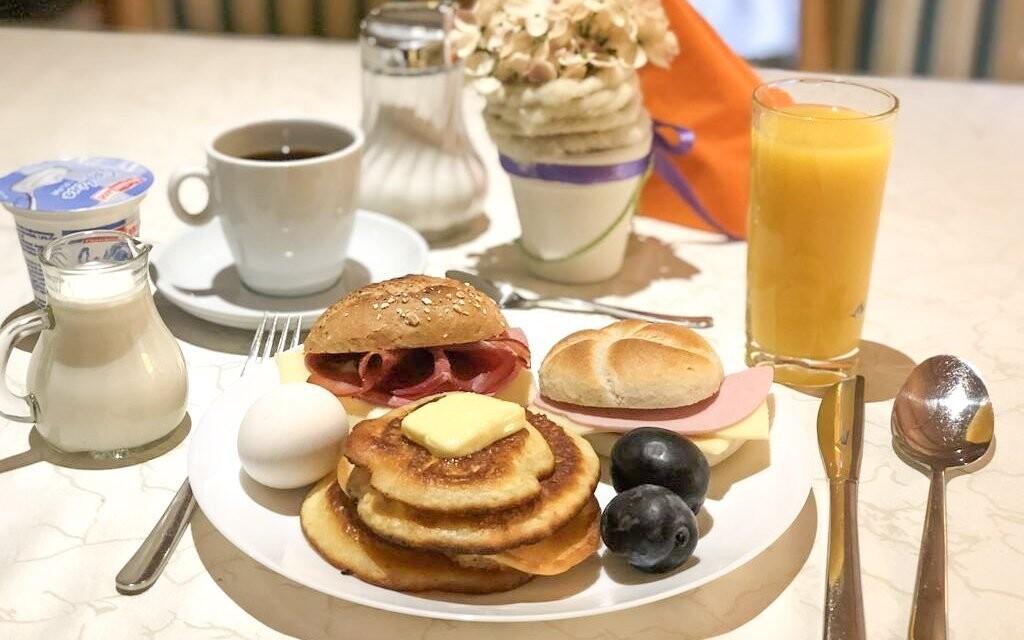 Raňajky formou bufetu, reštaurácia, Evianquelle Hotel ***