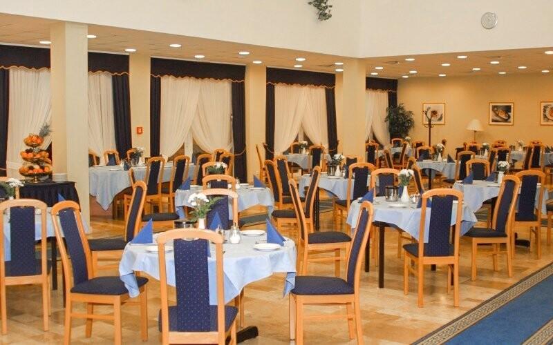 Hotelová reštaurácia, Hunguest Hotel Répce ***