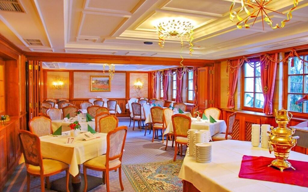 Krásná restaurace, Hotel Tauplitzerhof, Tauplitz, Rakousko