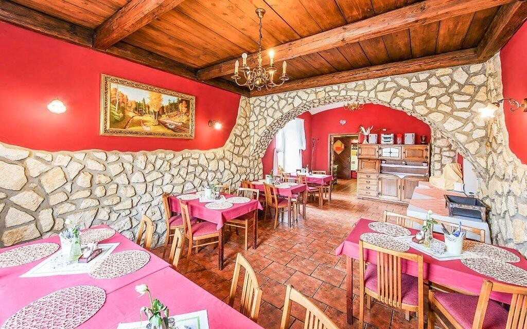 Vynikajúca polpenzia, reštaurácia, Hotel Beskyd, Beskydy