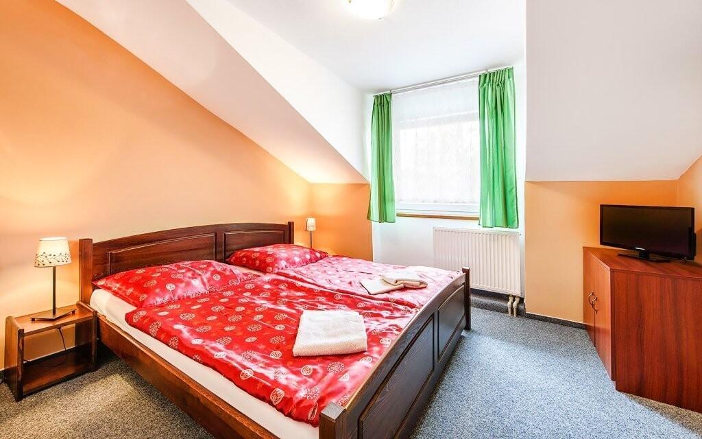 Čakajú vás pohodlné izby, Hotel Beskyd, Beskydy