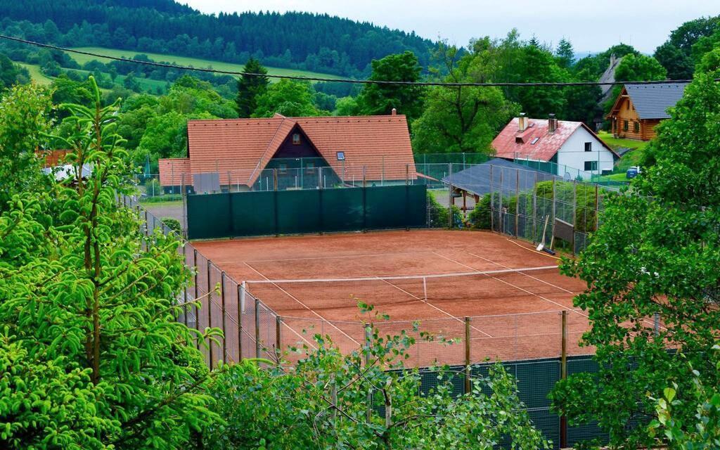 Tenis, Penzion Chata pod Sjezdovkou, Orlické hory