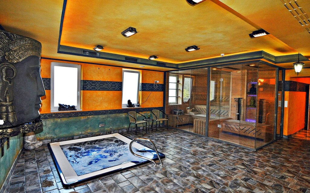Wellness, vírivka, sauna, Hotel Villa Classica ****, Pápa