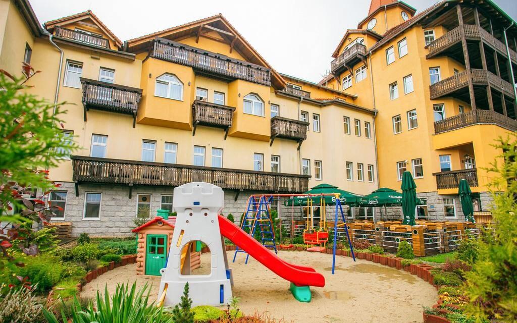 Hotel St. Lukas Sanatorium ****, kúpeľný pobyt, Poľsko