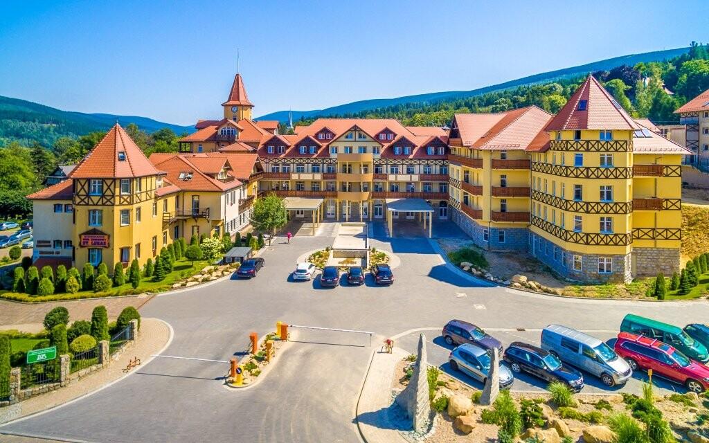 Luxusný Hotel St. Lukas Sanatorium ****, Poľsko