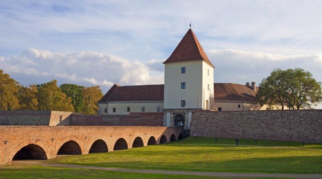 Preslávený Nádasdyho hrad vás uchváti, Sárvár, Maďarsko
