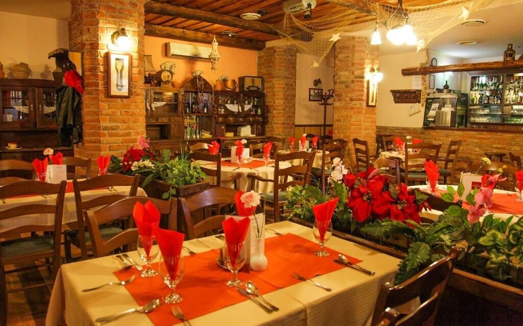 Restaurace, polopenze, Hotel Négy Évszak, Hajdúszoboszló