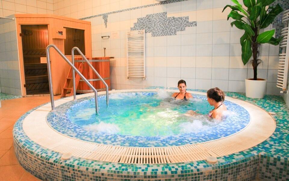 Wellness, vířivka, sauna, Hotel Négy Évszak, Hajdúszoboszló