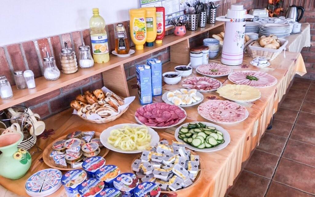 Těšte se na bohatý snídaňový bufet